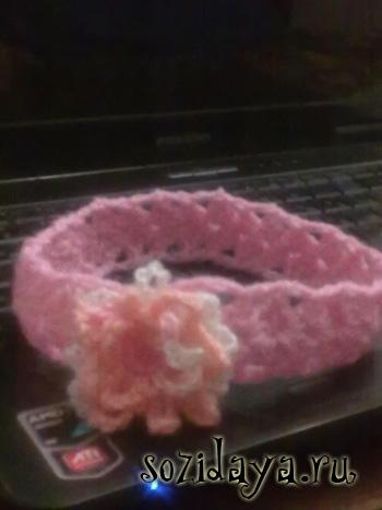 Как связать повязку на голову крючком.  Это милое вязаное украшение...